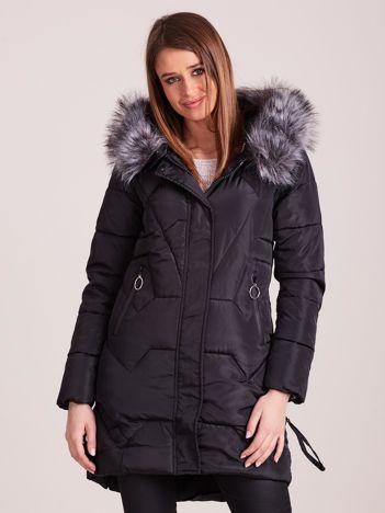 Czarna pikowana kurtka na zimę