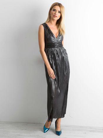 Czarna plisowana sukienka maxi