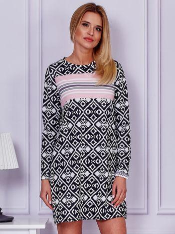 Czarna prosta sukienka w geometryczne wzory