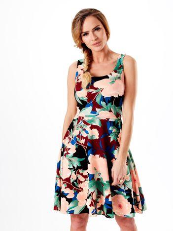 Czarna rozkloszowana sukienka damska w kwiaty