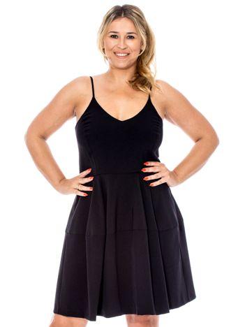 Czarna rozkloszowana sukienka na cienkich ramiączkach PLUS SIZE