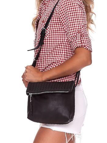Czarna składana torebka listonoszka-worek z plecionką