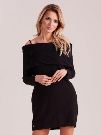 Czarna sukienka cold arms z szeroką falbaną
