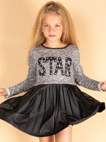 Czarna sukienka dla dziewczynki z napisem