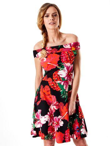 Czarna sukienka w duże roślinne wzory