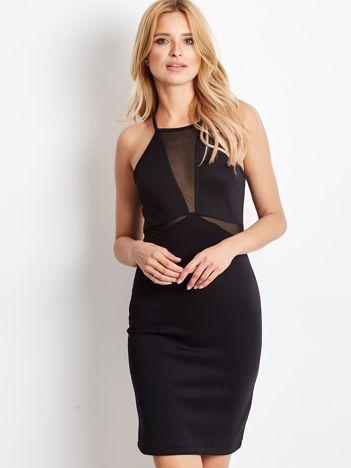 Czarna sukienka z dekoltem halter i siateczkowymi wstawkami