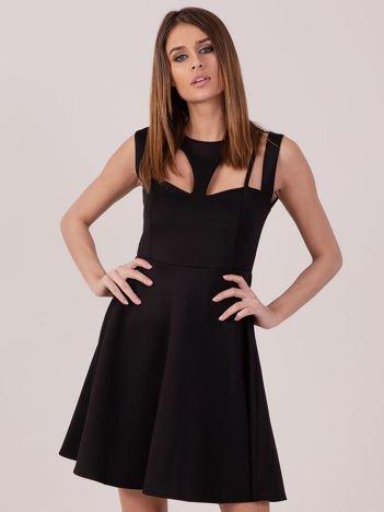 Czarna sukienka z siateczkową wstawką