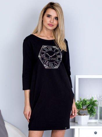 Czarna sukienka z zegarem z dżetów