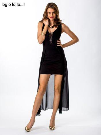 Czarna sukienka ze zwiewnym tyłem BY O LA LA