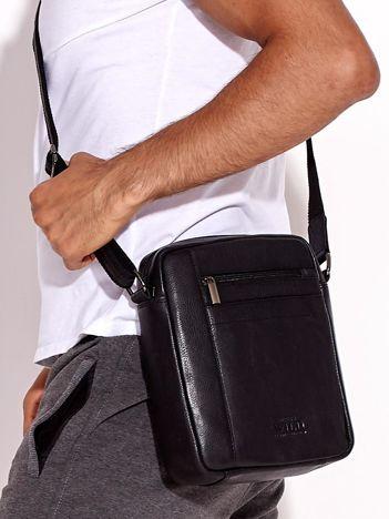 Czarna torba męska na ramię ze skóry naturalnej