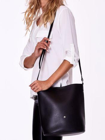 Czarna torba na ramię z kosmetyczką