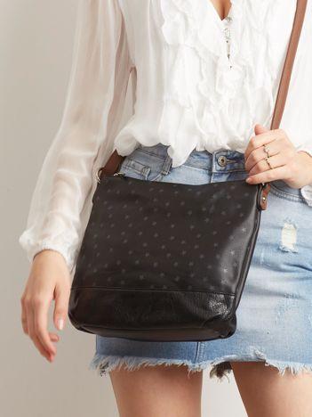 Czarna torebka w gwiazdki