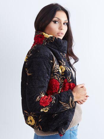 Czarna welurowa kurtka w kwiaty