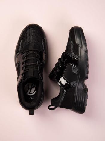 Czarne buty sportowe Kylie z lakierowanymi i zwierzęcymi wstawkami