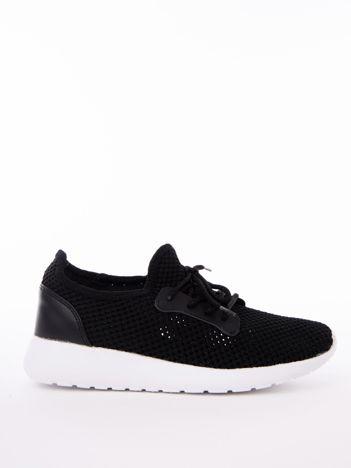 Czarne dzianinowe buty sportowe z wstawką z eco skóry przy sznurowaniu