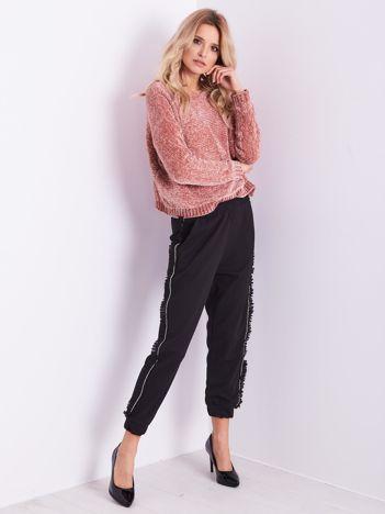 Czarne luźne spodnie z falbankami