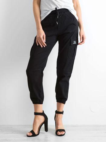 Czarne spodnie Myself