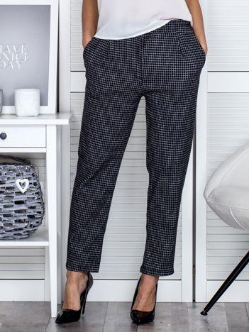 Czarne spodnie materiałowe w kratkę