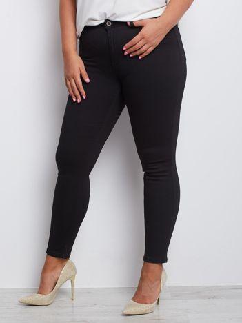 Czarne spodnie plus size Juvenile