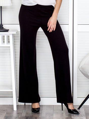 Czarne szerokie spodnie w prążek