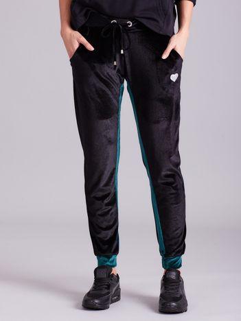 Czarne welurowe spodnie dresowe