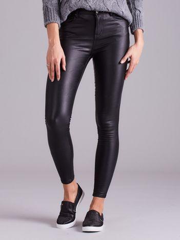 Czarne woskowane spodnie damskie skinny