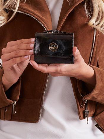 Czarno-brązowy mały skórzany portfel