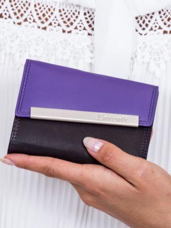 Czarno-fioletowy portfel damski z ozdobnym zapięciem