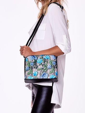 Czarno-niebieska torebka z kwiatowym nadrukiem