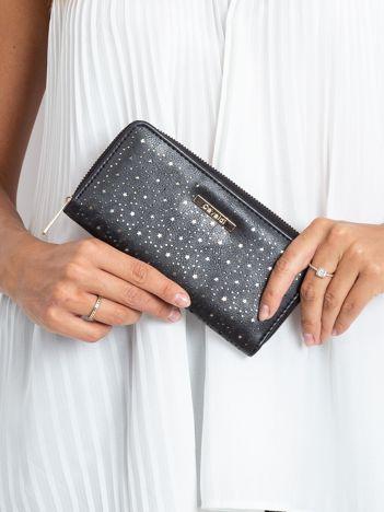 Czarny ażurowy portfel