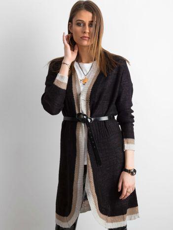 Czarny długi sweter damski z dzianiny
