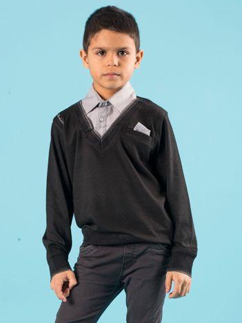 Czarny elegancki sweterek chłopięcy z kołnierzykiem