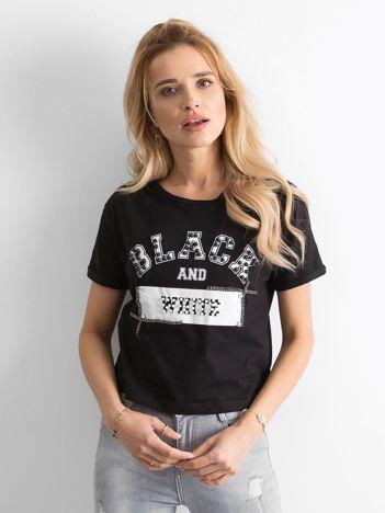 Czarny krótki t-shirt z perełkami