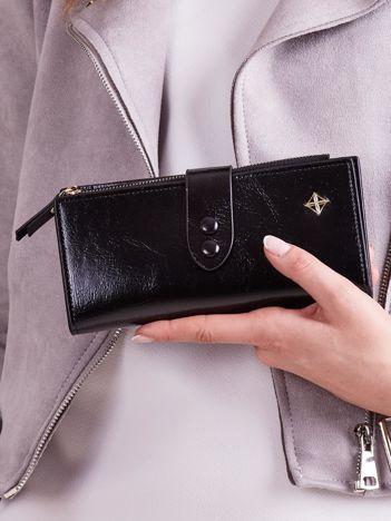 Czarny miękki portfel damski