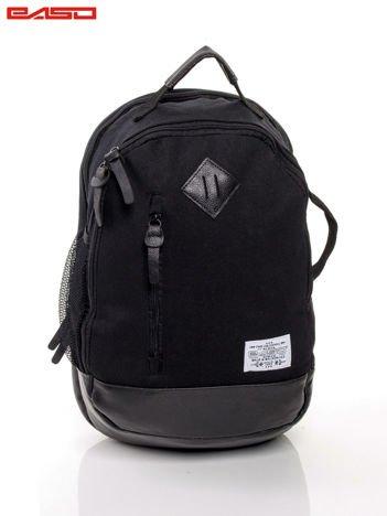 Czarny plecak ze skórzaną wstawką