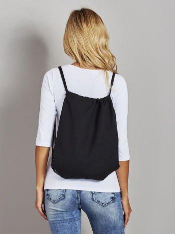 Czarny płócienny plecak worek