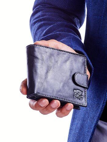 Czarny portfel dla mężczyzny z klapką