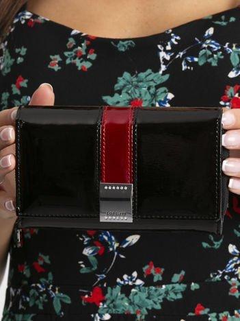 Czarny skórzany lakierowany portfel