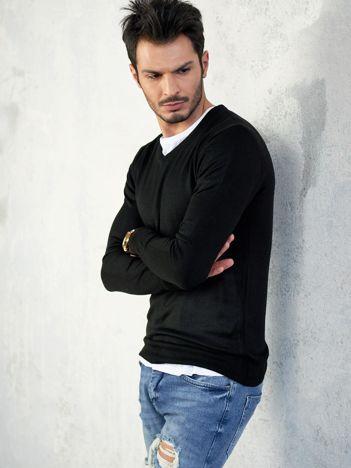Czarny sweter męski V-neck
