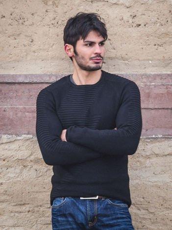 Czarny sweter męski z zygzakiem