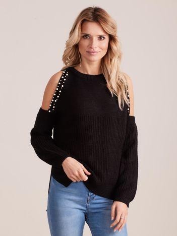 Czarny sweter oversize z wycięciami na ramiona