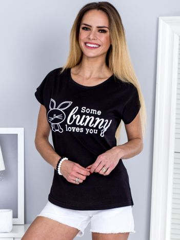 Czarny t-shirt z króliczkiem