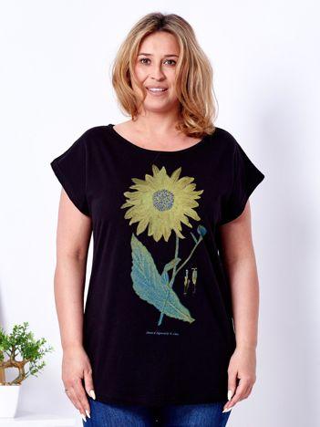 Czarny t-shirt z kwiatowym nadrukiem PLUS SIZE