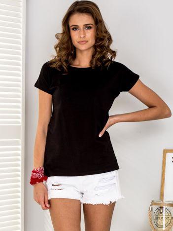 Czarny t-shirt z rozcięciami z tyłu