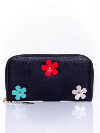 Czarny zasuwany portfel w kwiatki