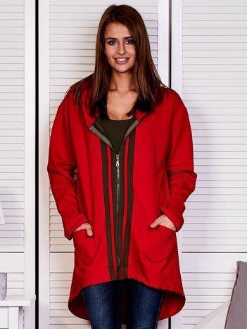 Czerwona bluza z kontrastowym suwakiem