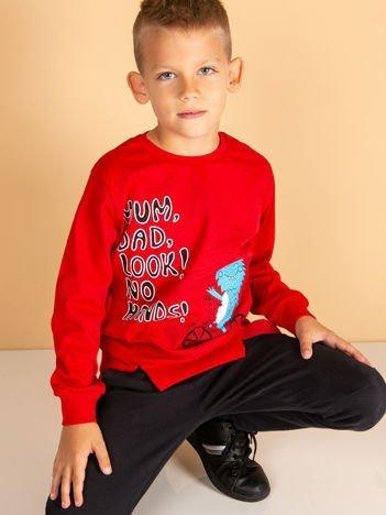 Czerwona bluzka dla chłopca z komiksowym nadrukiem
