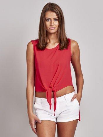 Czerwona bluzka z wiązaniem