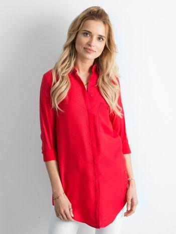 Czerwona długa koszula