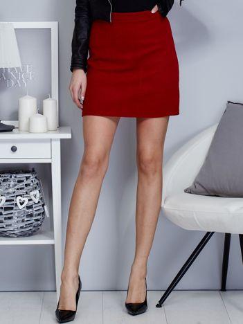 Czerwona dzianinowa spódnica mini